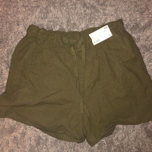 NWT uniqlo green high waisted drawstring shorts